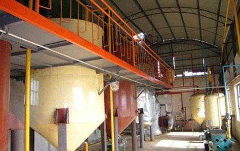 智利客户的60吨/天葵花籽油精炼分提设备已投入生产